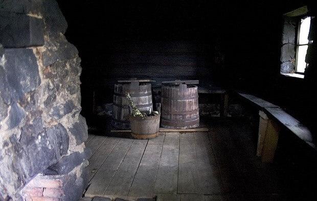 Интерьер бани по черному