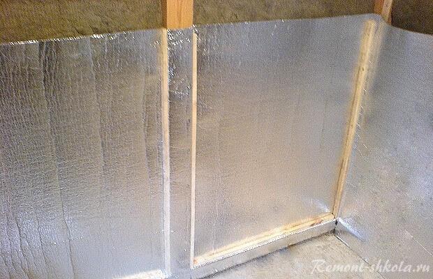 монтаж изоляции мини сауны на стены
