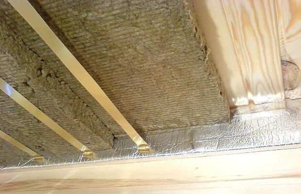 монтаж утеплителя мини сауны на потолок