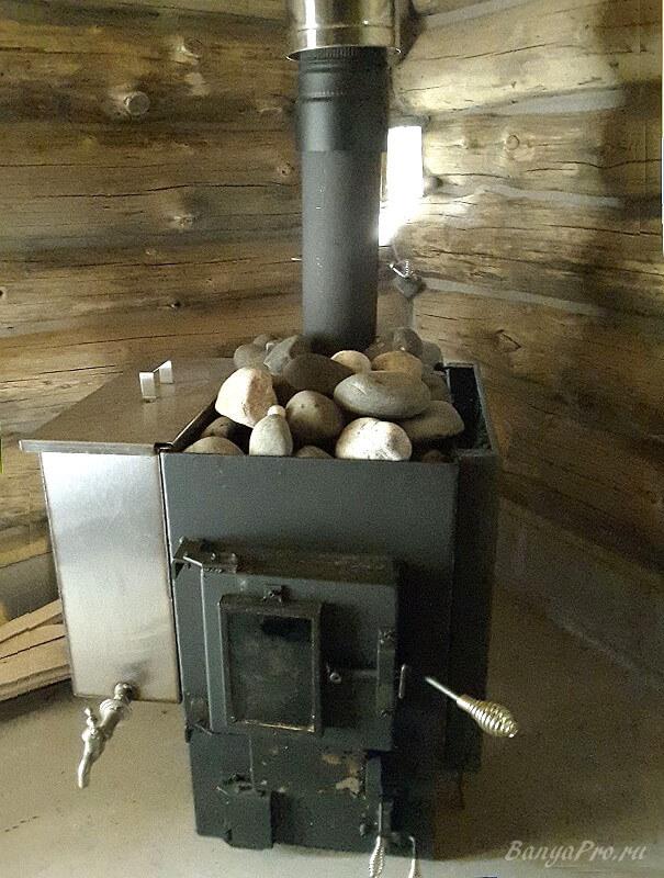 Печь с боковым баком для нагрева воды
