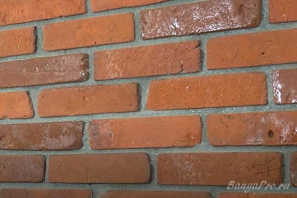 Стена в кирпиче